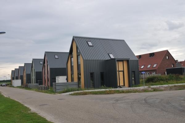 Huizen van staal dokkum naderen voltooiing in for Staalbouw woningen