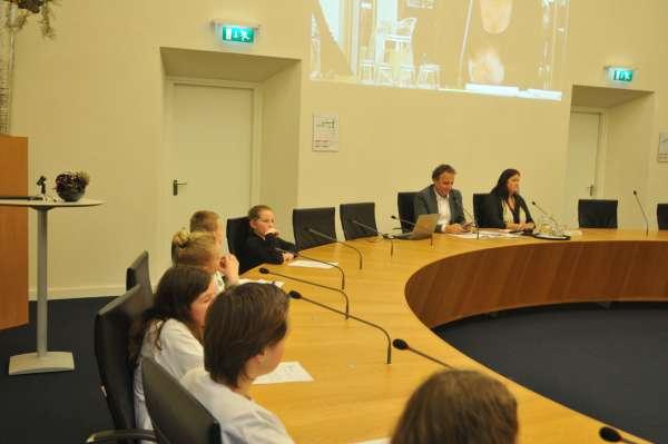 Afbeeldingsresultaat voor raadsvergadering dongeradeel