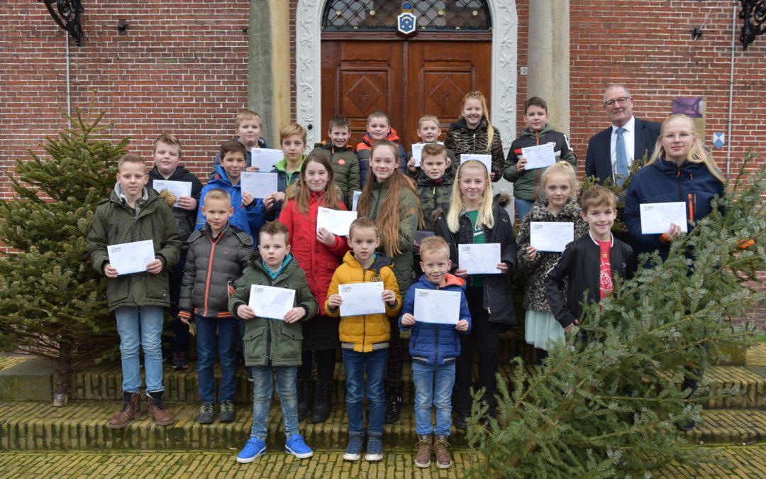 Prijsuitreiking kerstbomenactie Noardeast Fryslân